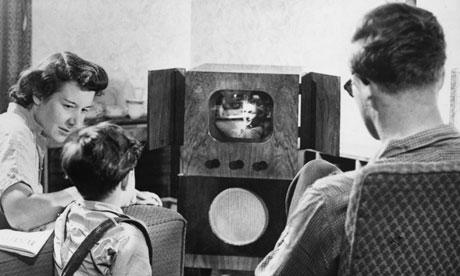 1955-A-family-watching-te-006